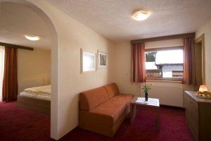 Familiensuite-Hotel-Haid-Pitztal-St-Leonhard
