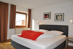 ZimmerA_3 Hotel St. Leonhard Pitztal