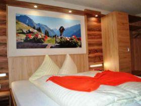 ZimmerA_4 Hotel St. Leonhard Pitztal